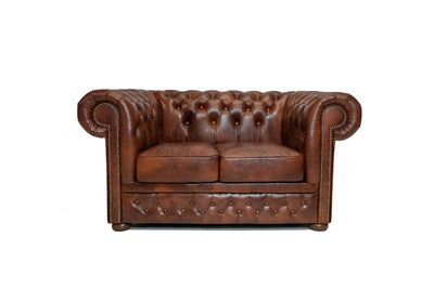 Chesterfield Sofa First Class Leder |2-Sitzer | Cloudy Braun Old | 12 Jahre Garantie